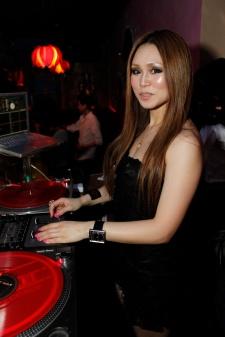 DJ June @ Sutra