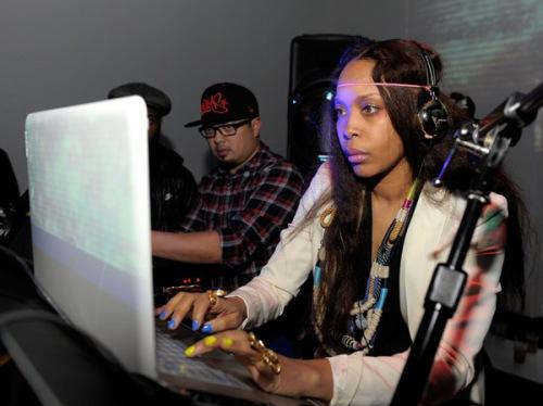 Erykah Badu a.k.a. Analog Girl in a Digital World (okay, player?)