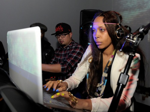 Erykah Badu a.k.a. Analog Girl in a Digital World (okay, player?)