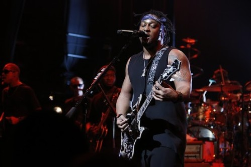 D'Angelo w. Guitar